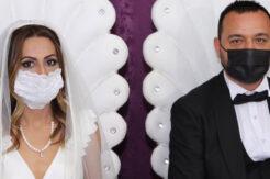 Pandemi sürecinden sıkıldılar, nikahı öne çektiler