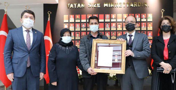 Bartınlı şehit Furkan Yılmaz'ın ailesine devlet övünç madalyası