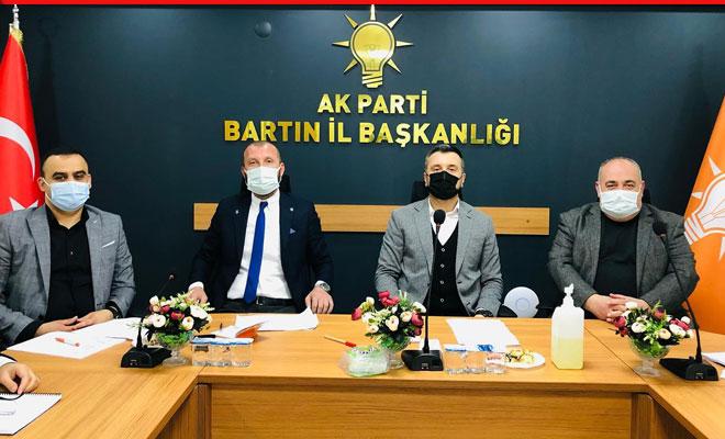 AK Parti toplantısında dikkat çeken konuk; Yusuf Aldatmaz…