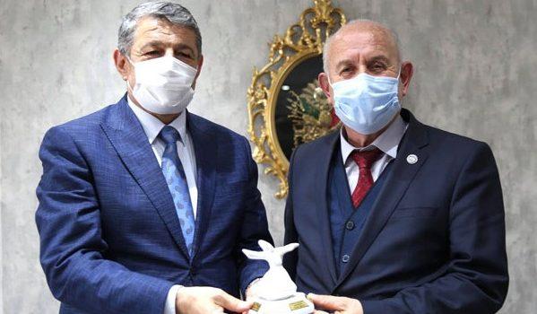 Dikkat çeken ziyaret! Mustafa Karaman ekibiyle birlikte Bartın Belediyesi'nde